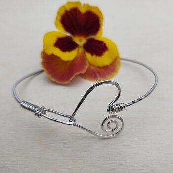 Heart-Hook-Bracelet